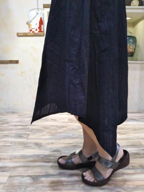 スカート横3