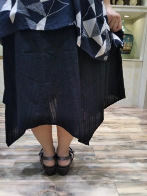 スカート後ろ2