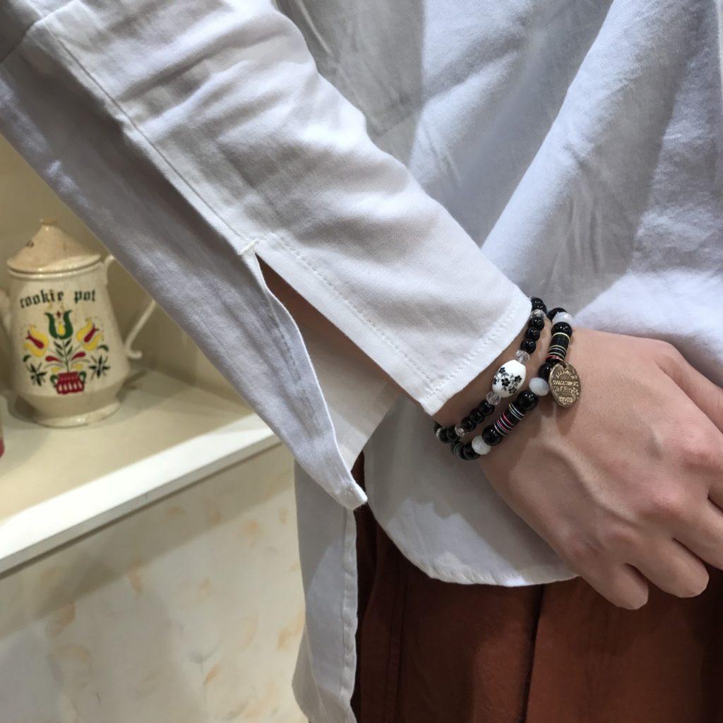 刺繍シャツ袖