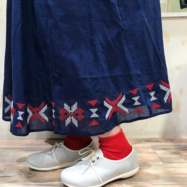 スカート刺繍UP