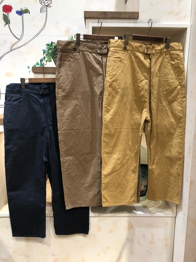 パンツ色展開
