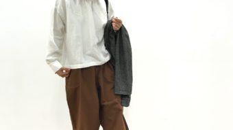 《SUN VALLEY》のノーカラージャケットと《Cafetty》の新作♪タックコクーンパンツで秋のナチュラルコーデ♪