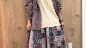 くすみピンク×花柄スカート